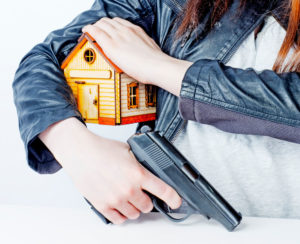 Can a felon live in a home with a gun if it belongs to someone else